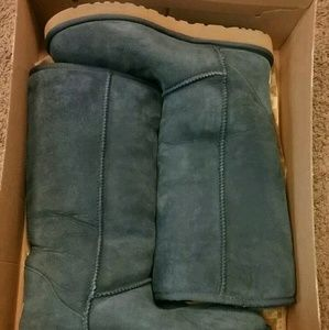 Size 10 women's UGG boots